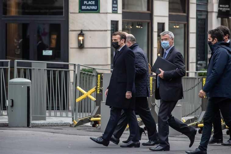 Macron Double Le Déploiement Militaire En France Pour Protéger Les