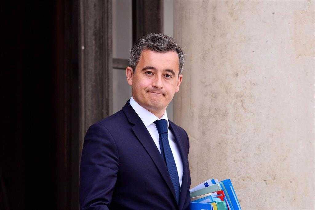 """Le Ministre De L'intérieur Assure Que La France Est """"en"""