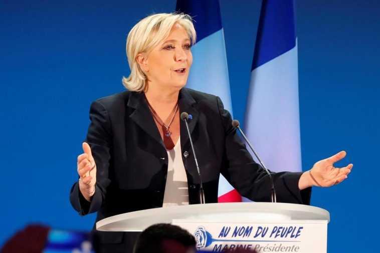 Le Pen Appelle à La Mise Hors La Loi De