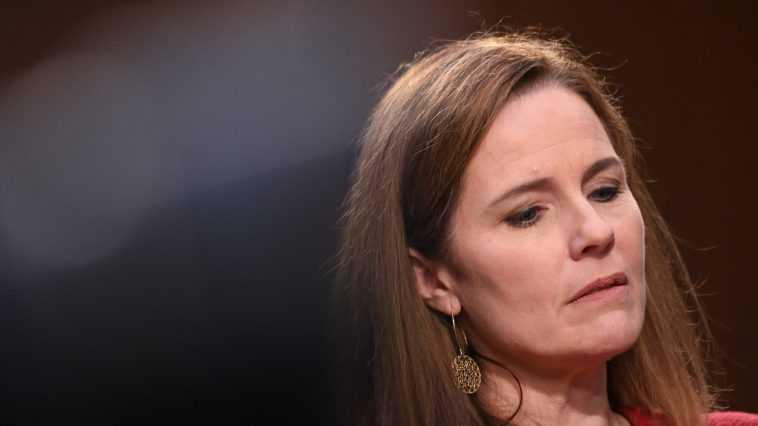 Amy Coney Barrett Pourrait Commencer à Saper Les Droits Des
