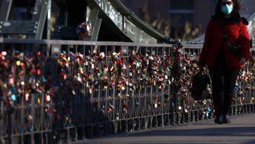 Berlin Oblige Les Masques à Empêcher Un Nouveau Verrouillage