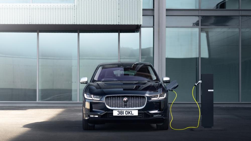 Acceptant des recharges plus puissantes, la Jaguar I-Pace peut désormais récupérer plus de 120 km d'autonomie en un quart d'heure