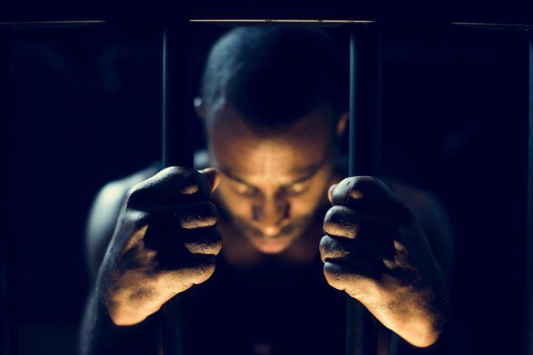 Des étudiants Condamnés à La Prison Pour Avoir Assisté à