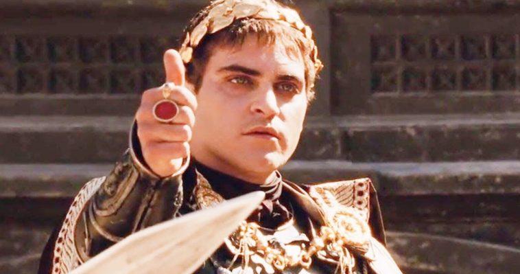Joaquin Phoenix Est Napoléon Dans Le Biopic Kitbag De Ridley