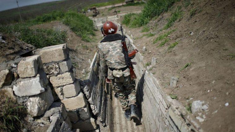 Les tensions s'intensifient après de fortes explosions à Stepanakert — Haut-Karabakh
