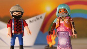 La Bible Mise En Scène Par Des Personnages De Playmobil