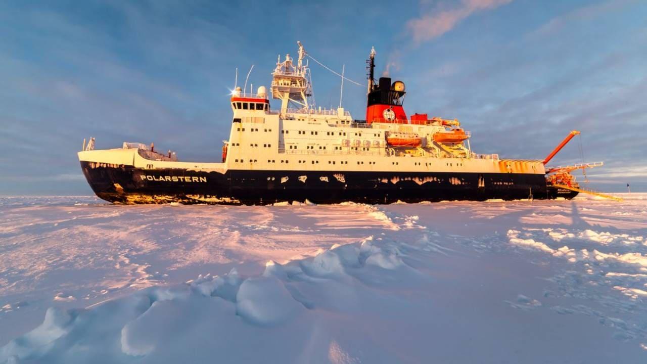 La plus grande mission scientifique jamais réalisée dans l'Arctique se termine après une année à la dérive avec la glace de mer gelée
