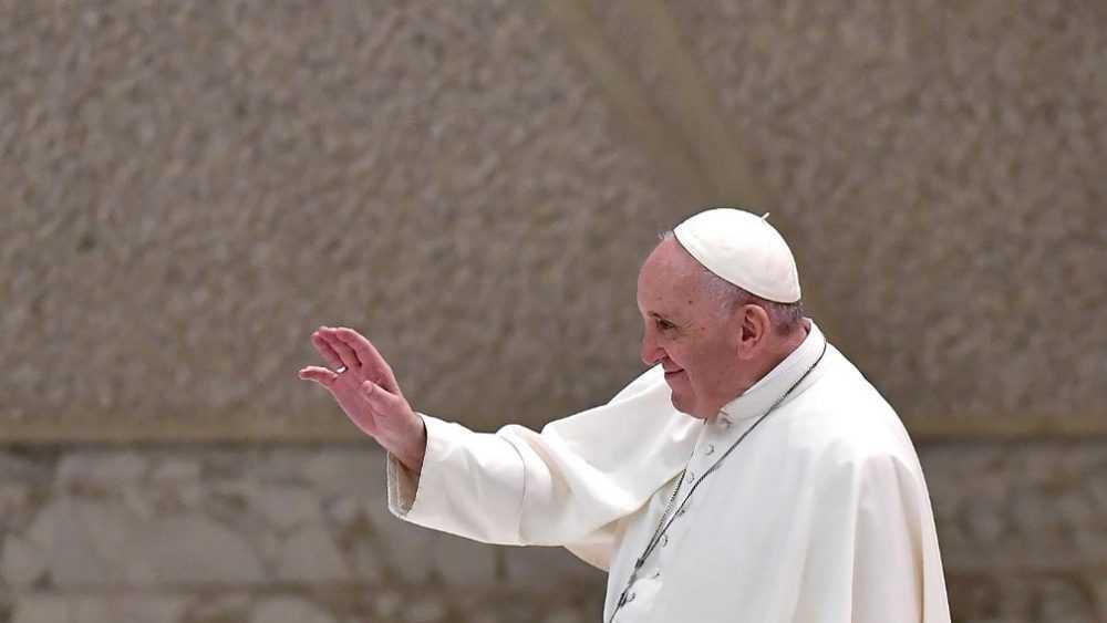 Le Pape François Fera La Messe Pour Les Morts Sans
