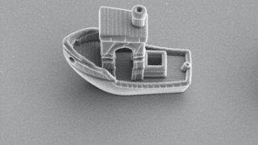 Le plus petit navire du monde fait un tiers de l'épaisseur d'un cheveu humain: l'impression 3D pour étudier le mouvement des micro-organismes dans l'eau