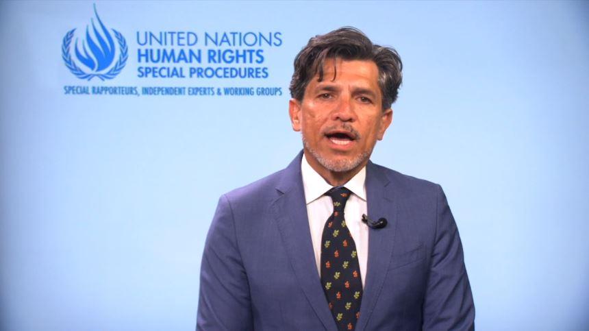 Le projet de loi canadien sur la thérapie de conversion a été salué par Victor Madrigal-Borloz, l'expert indépendant de l'ONU sur la protection contre la violence et la discrimination fondées sur l'orientation sexuelle et l'identité de genre