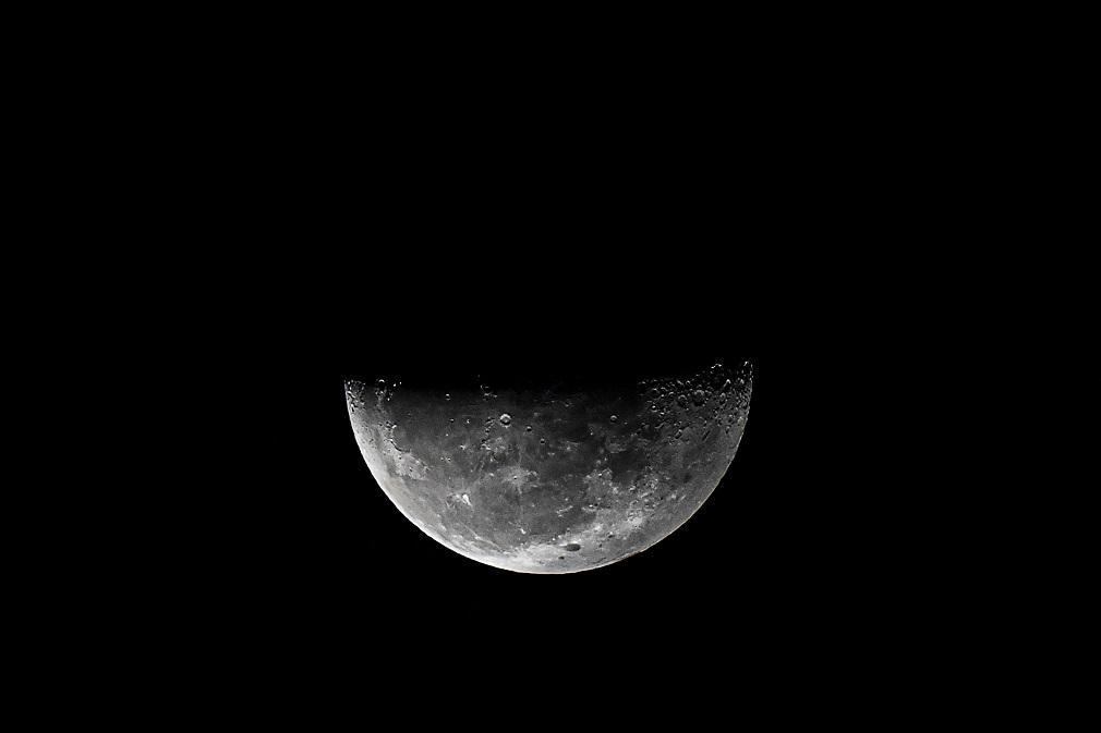 L'eau Sur La Lune: Sofia De La Nasa Confirme Que