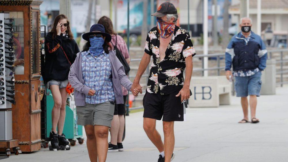 Les États Unis étendent L'utilisation Du Masque Aux Avions Et Aux