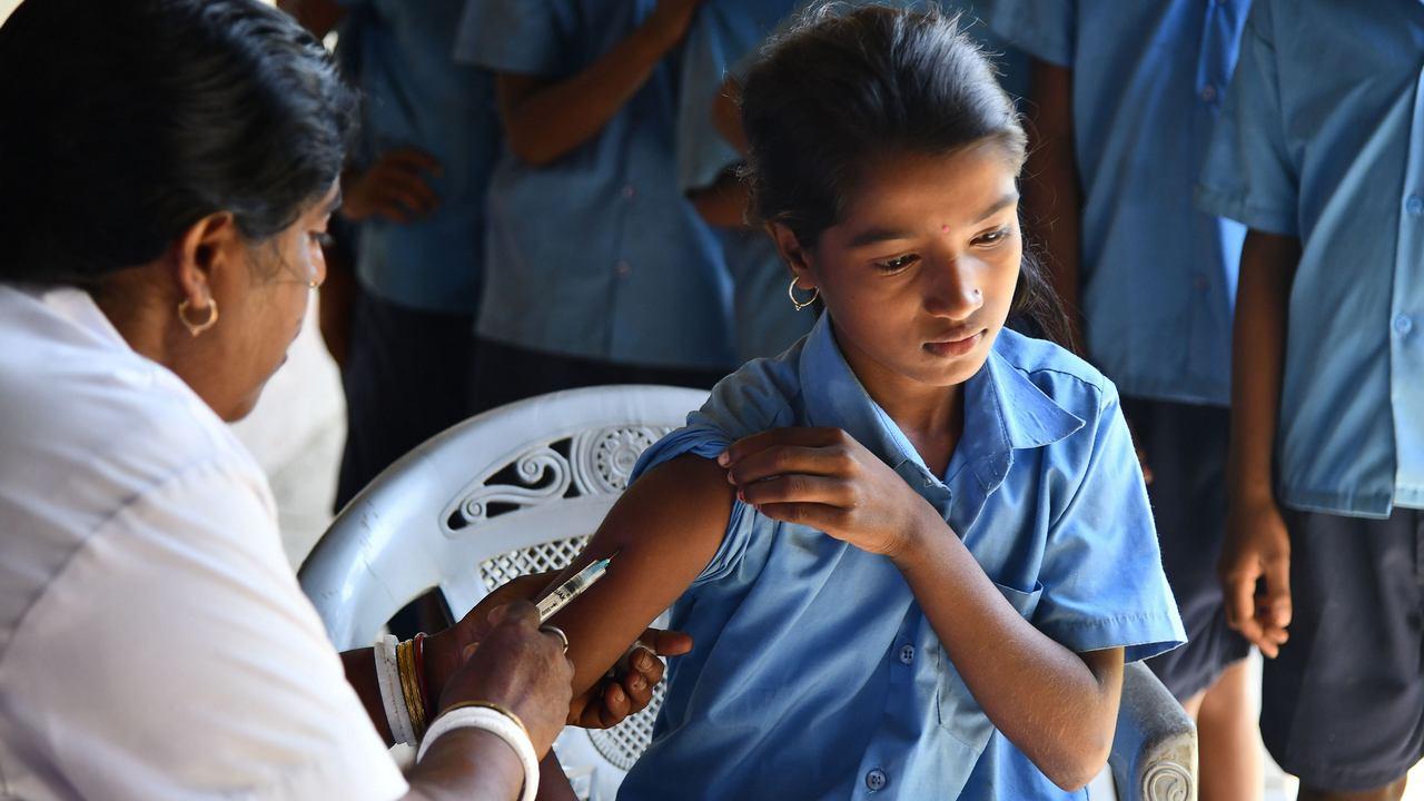 Un vaccin COVID19 devrait-il être mis gratuitement à la disposition de tous en Inde?