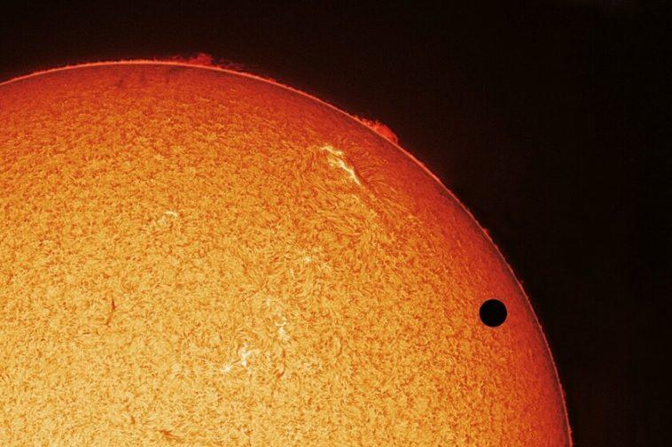 """Les """"signes de vie"""" sur Vénus que nous avons trouvés en septembre pourraient être une erreur lors de l'analyse des données, selon deux nouvelles enquêtes"""