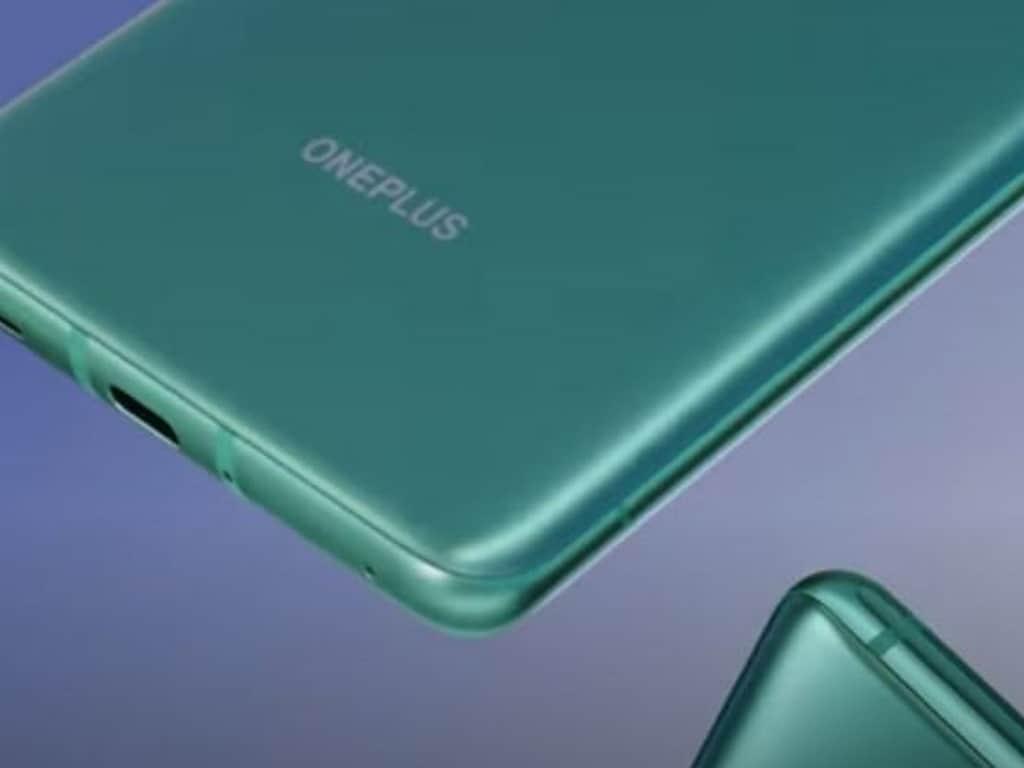 OnePlus 8T taquiné dans une variante de couleur vert aigue-marine avant le lancement du 14 octobre