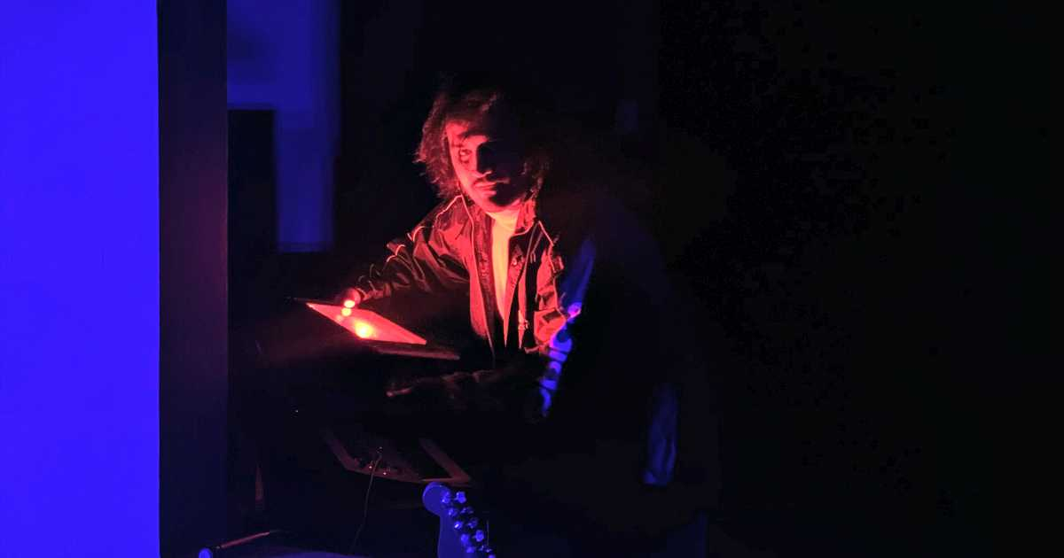Rencontrez Cosmic Drama: Synth Pop, Obscurité Et ésotérisme   45s