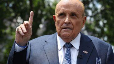 Rudy Giuliani A Atteint Directement La Transphobie Après La Scène