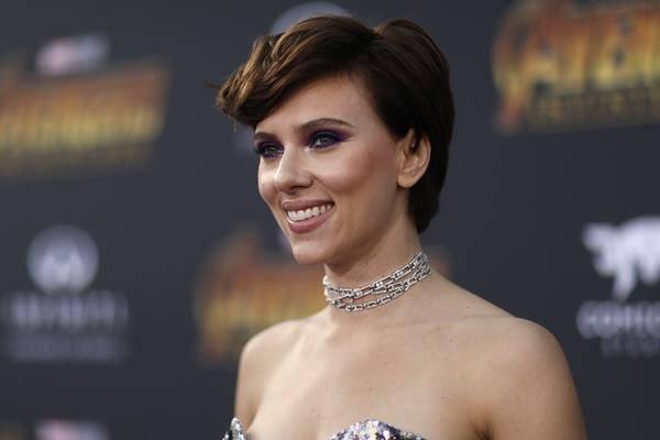 """Scarlett Johansson Est Dans """"la Mariée"""" à L'épouse De Frankenstein"""