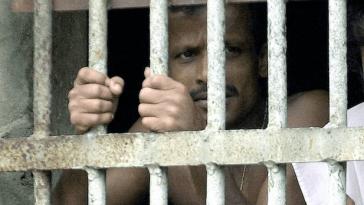 Sri Lanka `` Examens Anaux Forcés '' Dans Les Poursuites