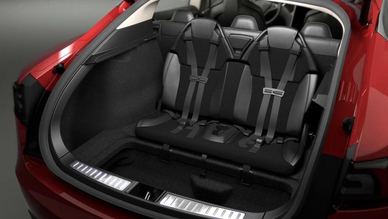 Les deux sièges supplémentaires sur la Tesla Model Y