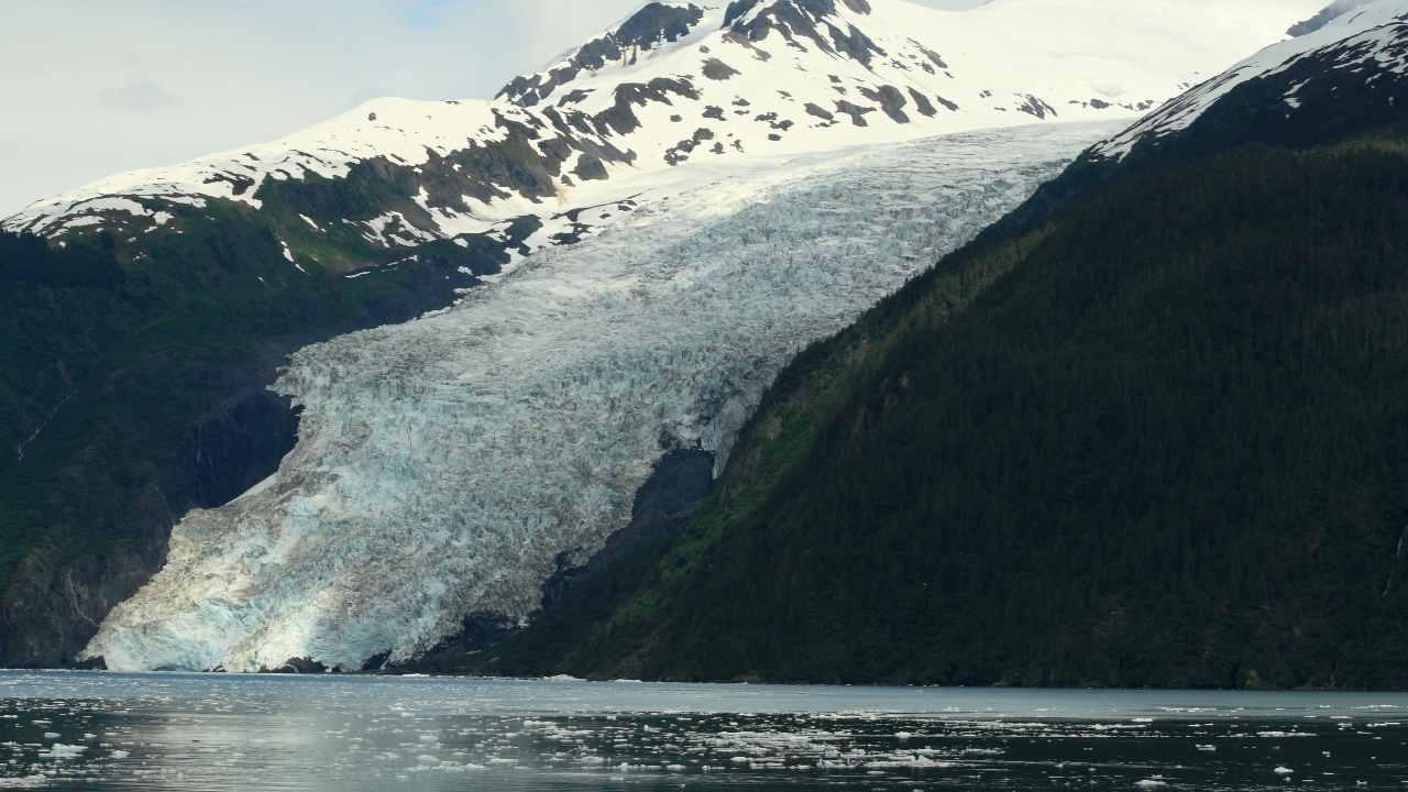 Un Glissement De Terrain En Alaska Pourrait Entraîner Un ``