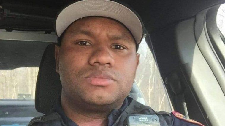 Un Policier New Yorkais Qui A Filmé Le Rap De ``