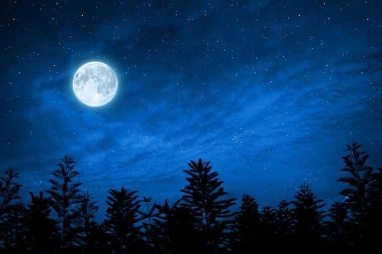 Une Rare `` Lune Bleue '' D'halloween Brillera Ce Soir