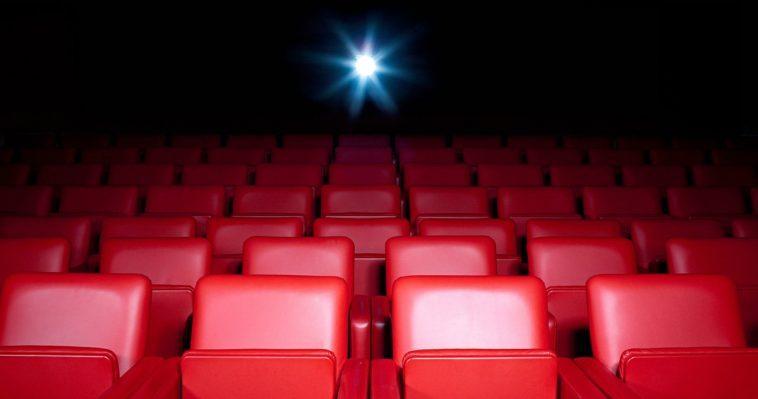 Warner Bros.et Universal N'ont Pas L'intention D'acheter Des Salles De