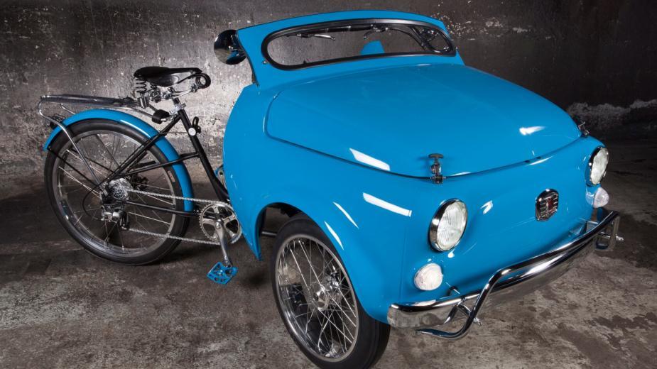Cette Fiat 500 Est Une Demi Voiture… Un Demi Vélo