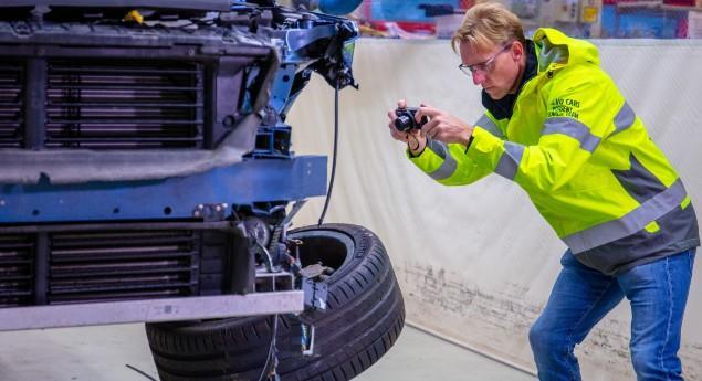 La Sécurité D'abord. Les Détectives Volvo Fêtent Leurs 50 Ans