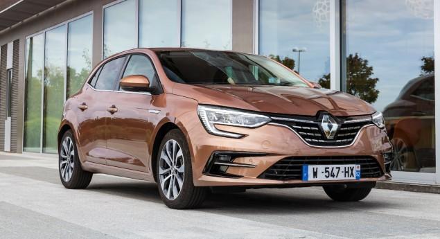 Avec La Version E Tech Phev. Renault Mégane Rénovée Maintenant En