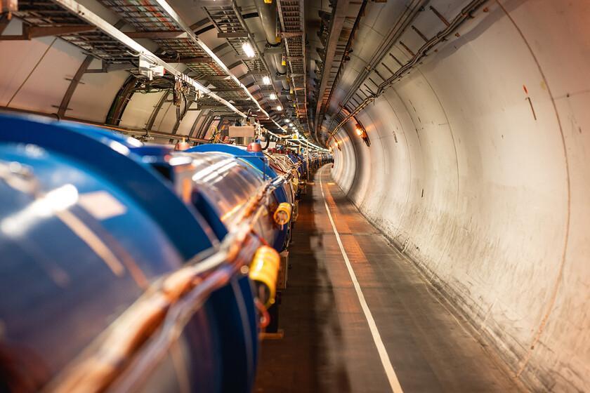 """Le CERN développe un """"support"""" pour l'antimatière: il souhaite pouvoir l'étudier plus précisément dans d'autres centres"""