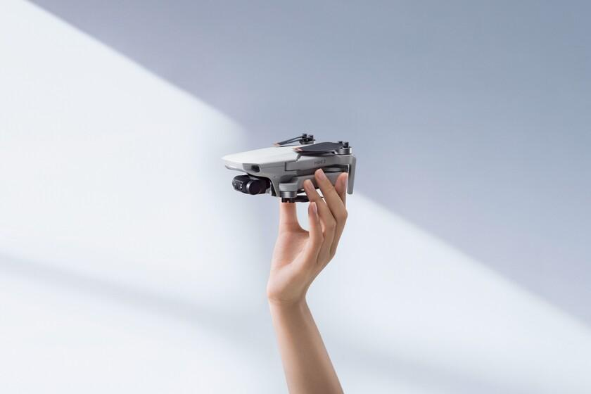 Le nouveau DJI Mini 2, le plus petit drone de la marque, est mis à jour avec plus de fonctions de vol, de caméra et d'alimentation