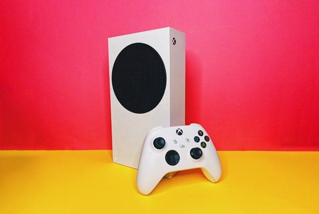 L'examen De La Xbox Series S, La Console Petite Et