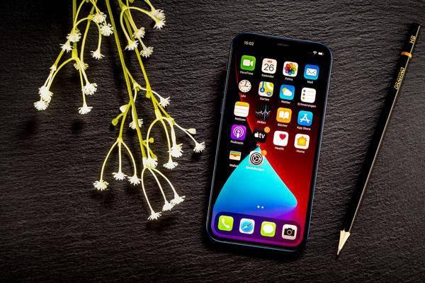 Iphone 12 Im Test: Apples Erstes 5g Smartphone Ist Ein Volltreffer