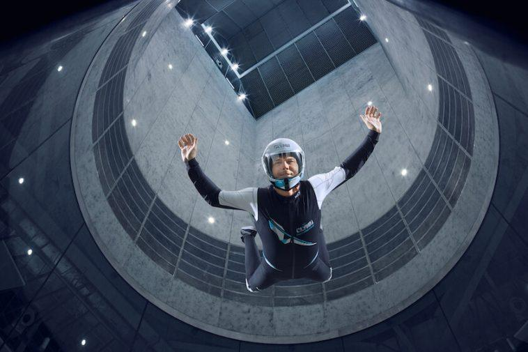 Grimper ou voler: c'est CLYMB, la plus grande soufflerie du monde est aussi le plus haut mur d'escalade en salle