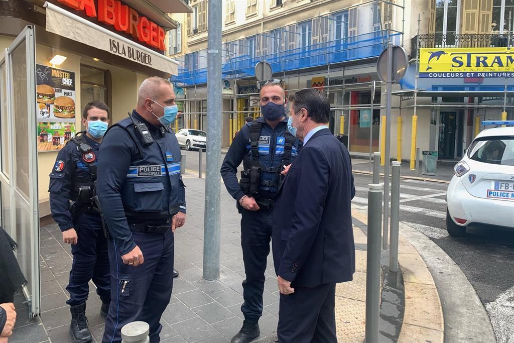 """Castex Promet Une Lutte Acharnée Contre """"l'islamisme Radical"""" En Hommage"""
