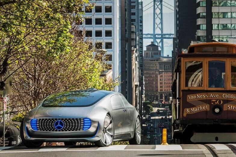 """Mercedes-Benz ne veut plus de voitures autonomes comme taxis: """"Nous ne voulons pas courir une course qui ne peut plus être gagnée"""""""