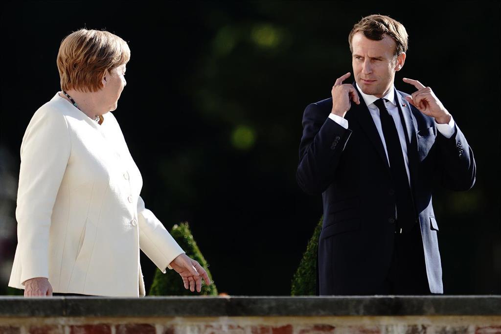 Macron Et Merkel Demandent De Renforcer La Frontière De L'ue,
