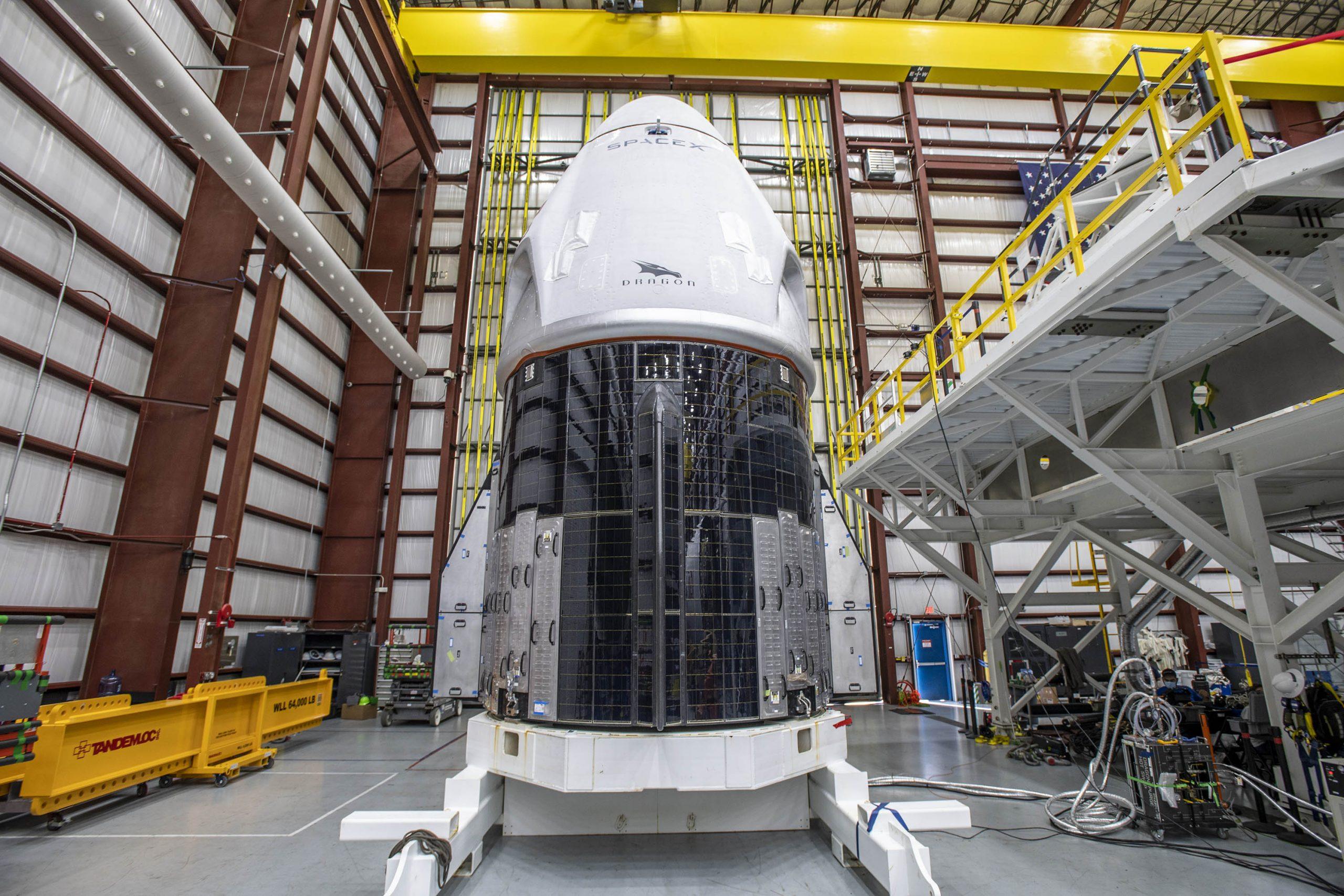 Le vaisseau spatial Crew-1 Crew Dragon de SpaceX lancera le premier vol d'équipage commercial opérationnel pour la NASA le 14 novembre 2020.