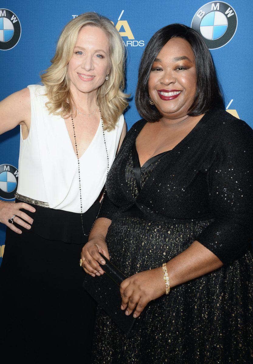 Betsy Beers et Shonda Rhimes assistent à la cérémonie des Directors Guild of America Awards 2014