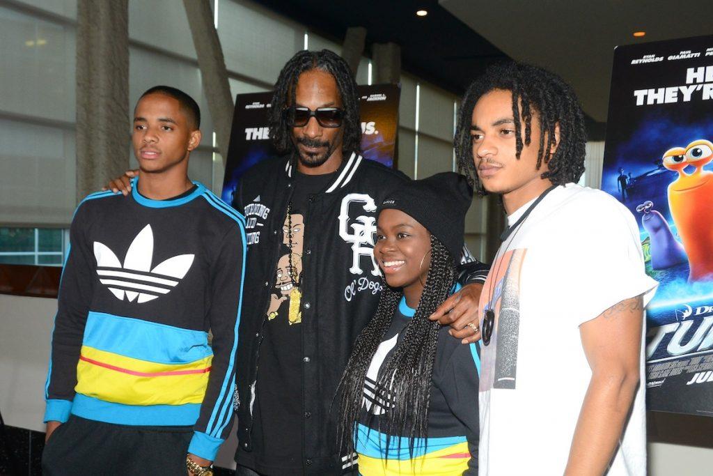 1605309726_459_Snoop-Dogg-a-appris-a-son