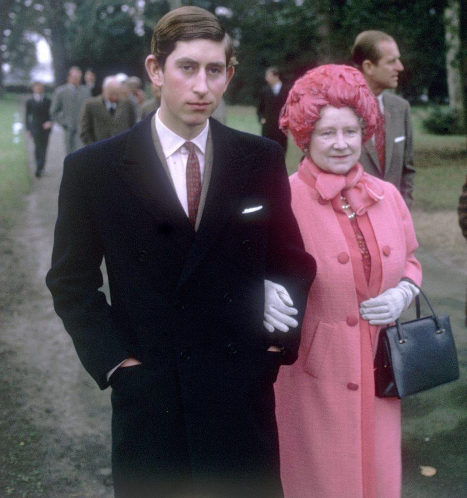 Prince Charles et la reine mère