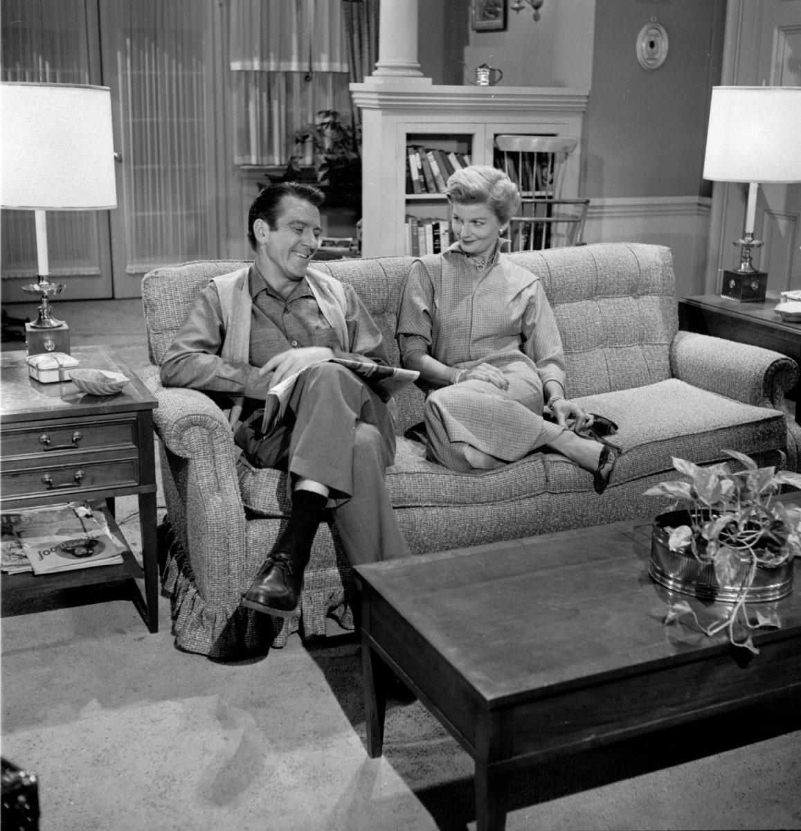 Les stars de `` Laissez-le à Beaver '', Hugh Beaumont et Barbara Billingsley