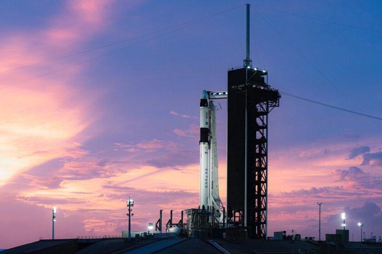 SpaceX lance avec succès sa première mission habitée régulière avec le Crew Dragon: c'est ce qu'il a à bord en plus des astronautes