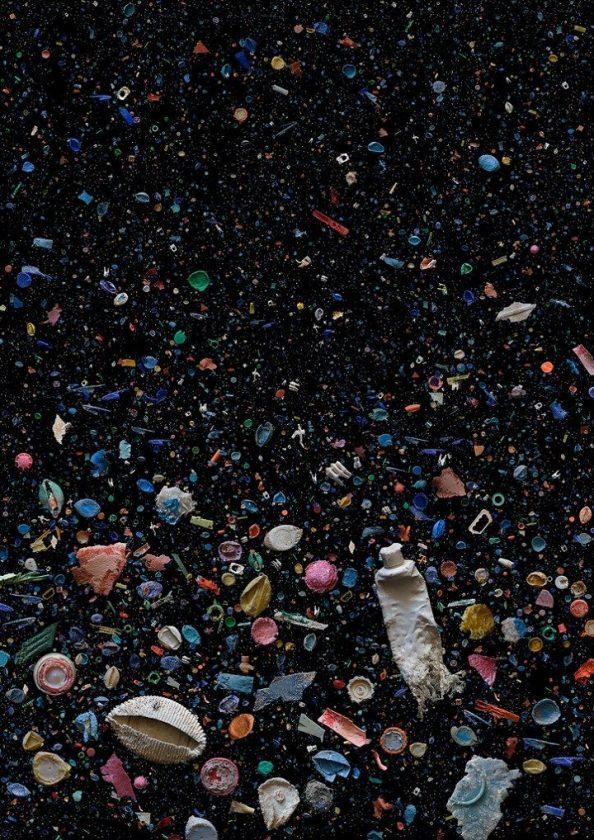 Pollution Plastique: Aujourd'hui, L'avenir Est Sombre à Cause Du Plastique