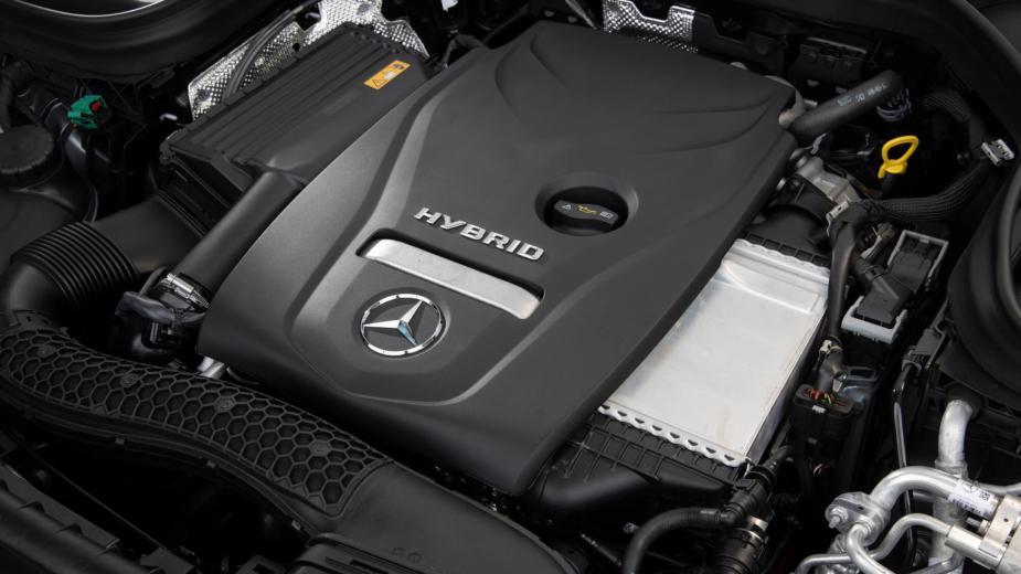 Daimler Rejoint Geely Pour Développer Des Moteurs à Combustion Interne