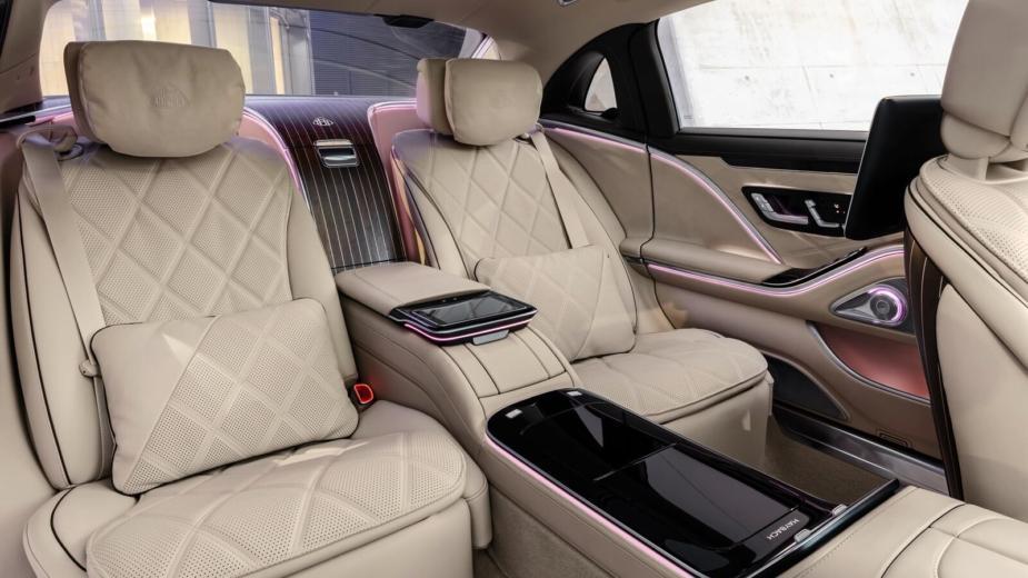 Bienvenue Dans La Nouvelle Mercedes Maybach Classe S. Quand Une Classe