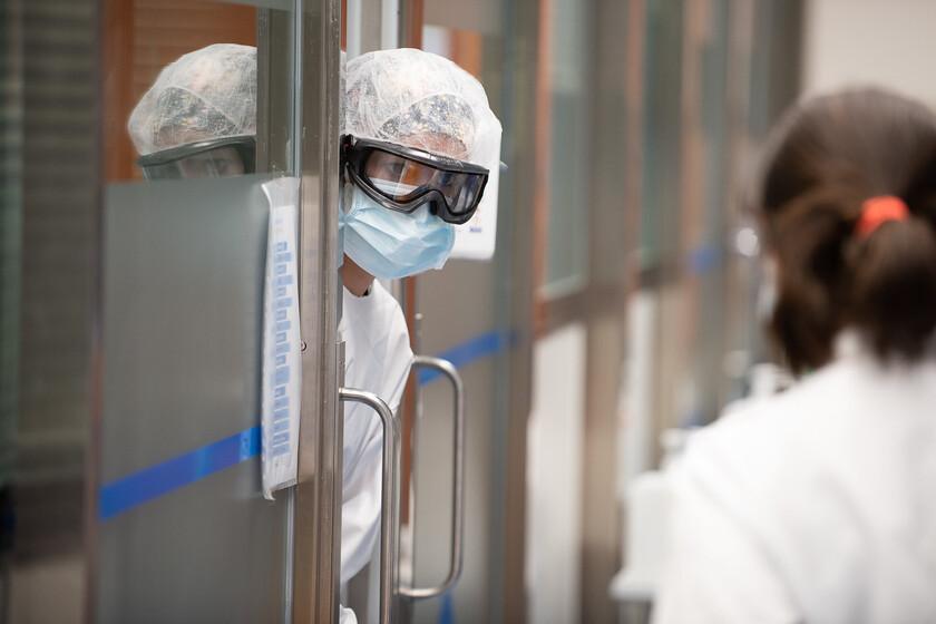 Combien de temps dure l'immunité pour ceux qui ont déjà réussi le COVID19 et ont des anticorps: ce que nous pouvons attendre des vaccins