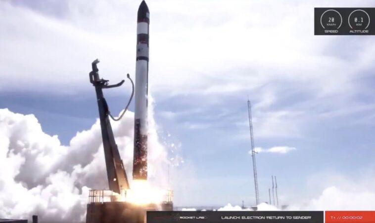 Rocket Lab Lance 30 Satellites Et Récupère Le Booster Dans
